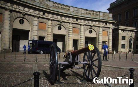 royal palace cannon