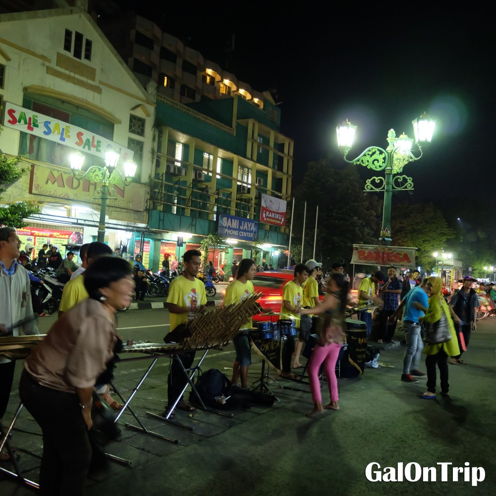 dancing at malioboro